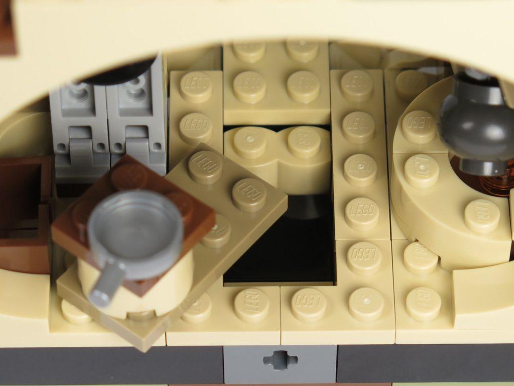 LEGO® Star Wars™ Yoda's Hütte (75208) - offenes Versteck | ©2018 Brickzeit