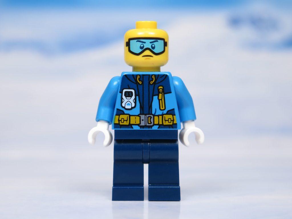 LEGO® City Arktis Eissäge - Minifigur, Vorderseite ohne Mütze| ®2018 Brickzeit