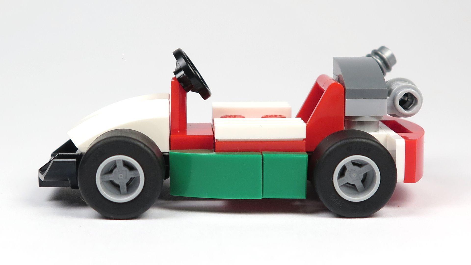 LEGO® City Magazin Nr. 7 - Rennwagen linke Seite | 2018 Brickzeit