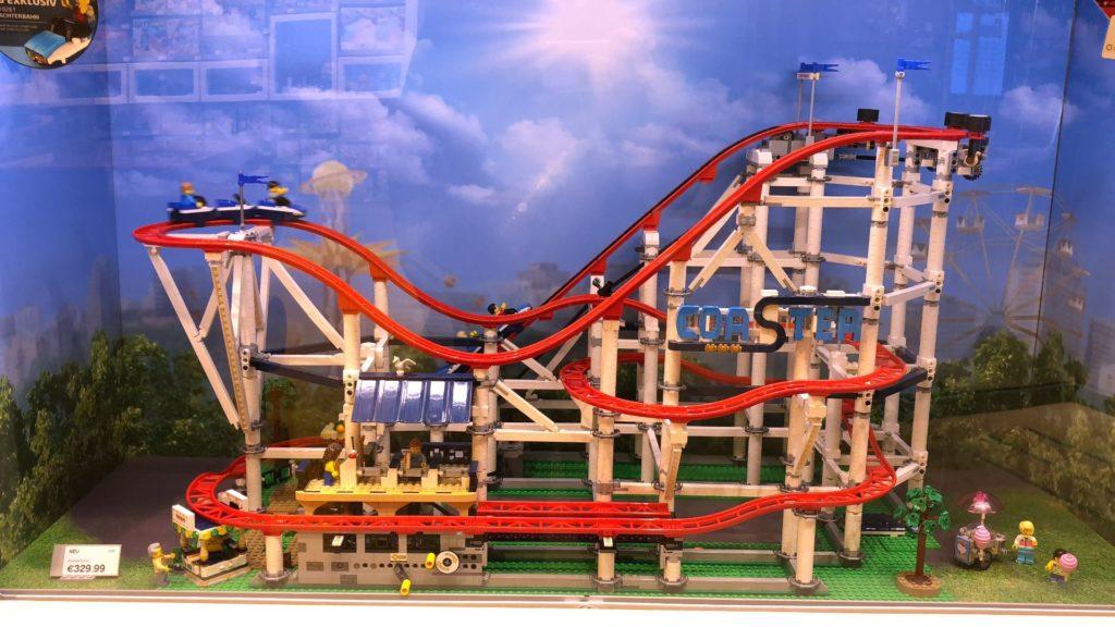 LEGO® Creator Expert Achterbahn (10261) - Schaukasten | ©2018 Brickzeit