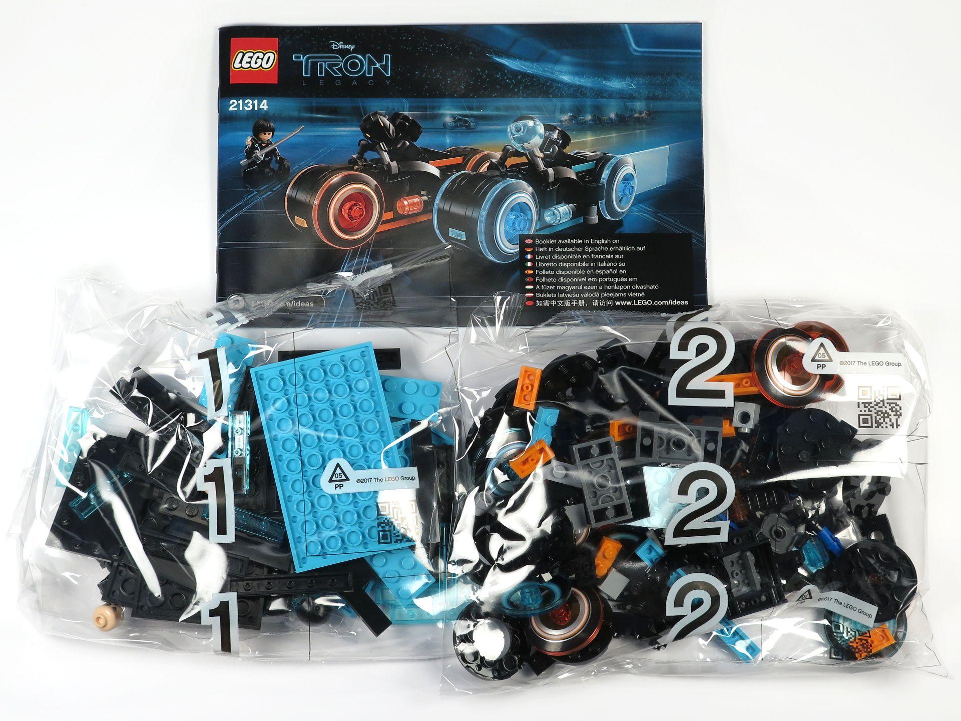 LEGO® Ideas TRON: Legacy (21314) - Inhalt | ©2018 Brickzeit