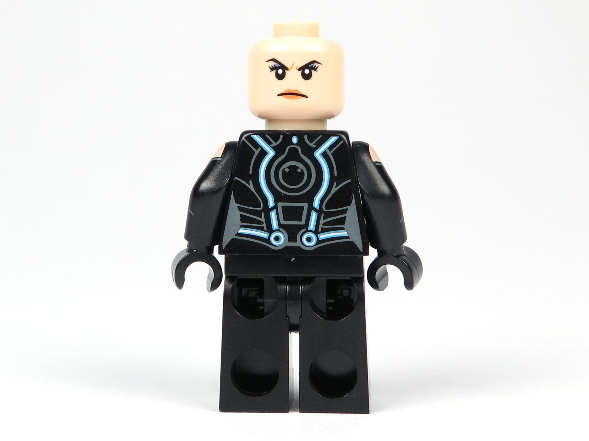 LEGO® Ideas TRON: Legacy (21314) - Quorra ohne Haare, Rückseite | ©2018 Brickzeit