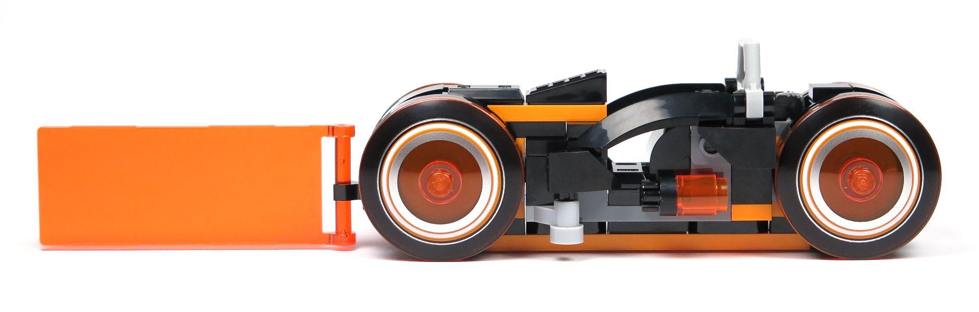 LEGO® Ideas TRON: Legacy (21314) - roter Lichtrenner, rechte Seite | ©2018 Brickzeit