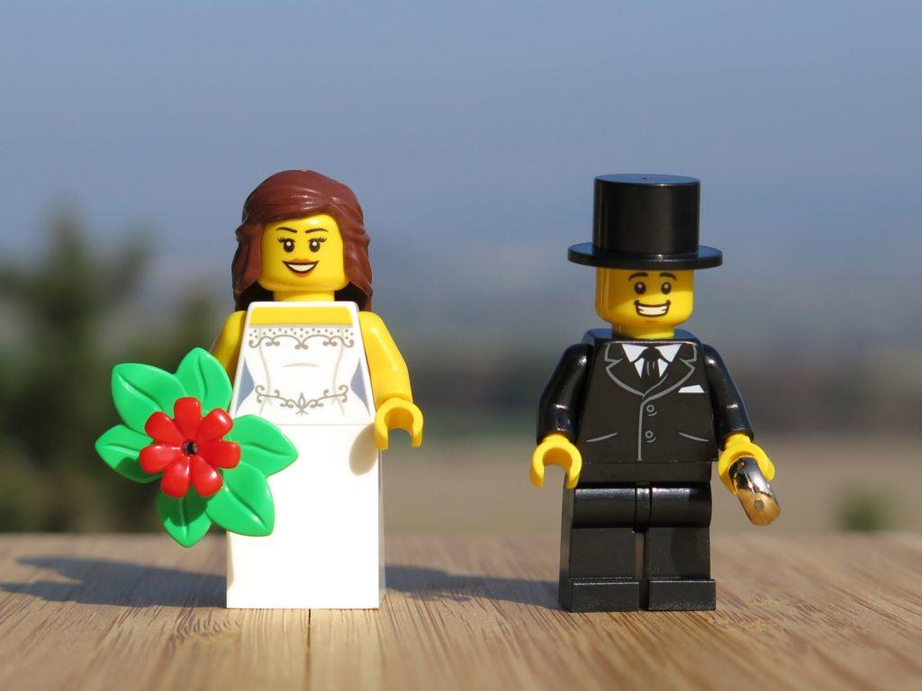 LEGO® Minifiguren Hochzeits-Set 2018 (40197) - Brautpaar | ©2018 Brickzeit