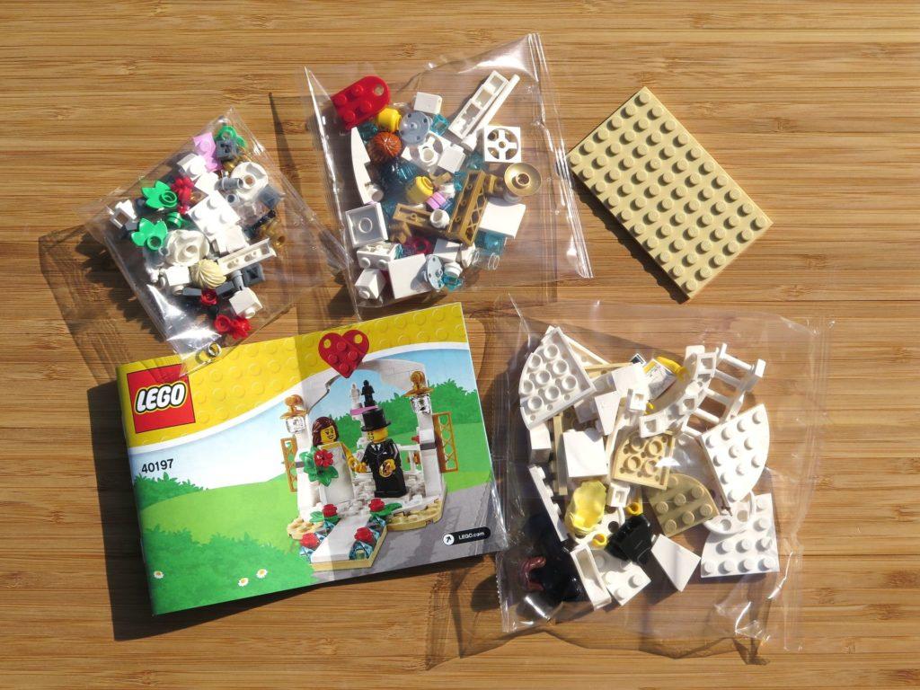 LEGO® Minifiguren Hochzeits-Set 2018 (40197) - Inhalt | ©2018 Brickzeit