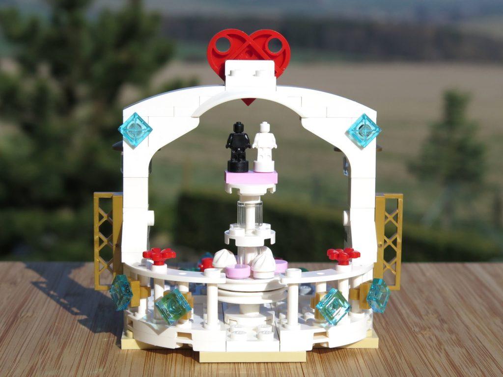 LEGO® Minifiguren Hochzeits-Set 2018 (40197) - Pavillon Rückseite | ©2018 Brickzeit