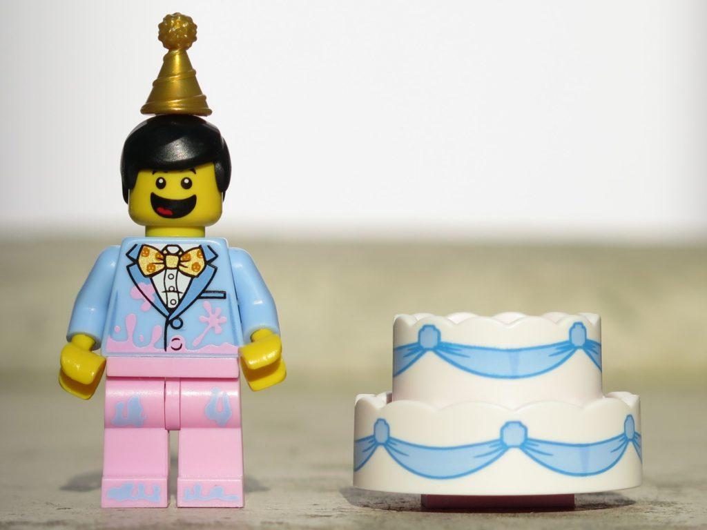 LEGO® Minifiguren Serie 18 (71021) - Tortenmann mit Zubehör | ©2018 Brickzeit