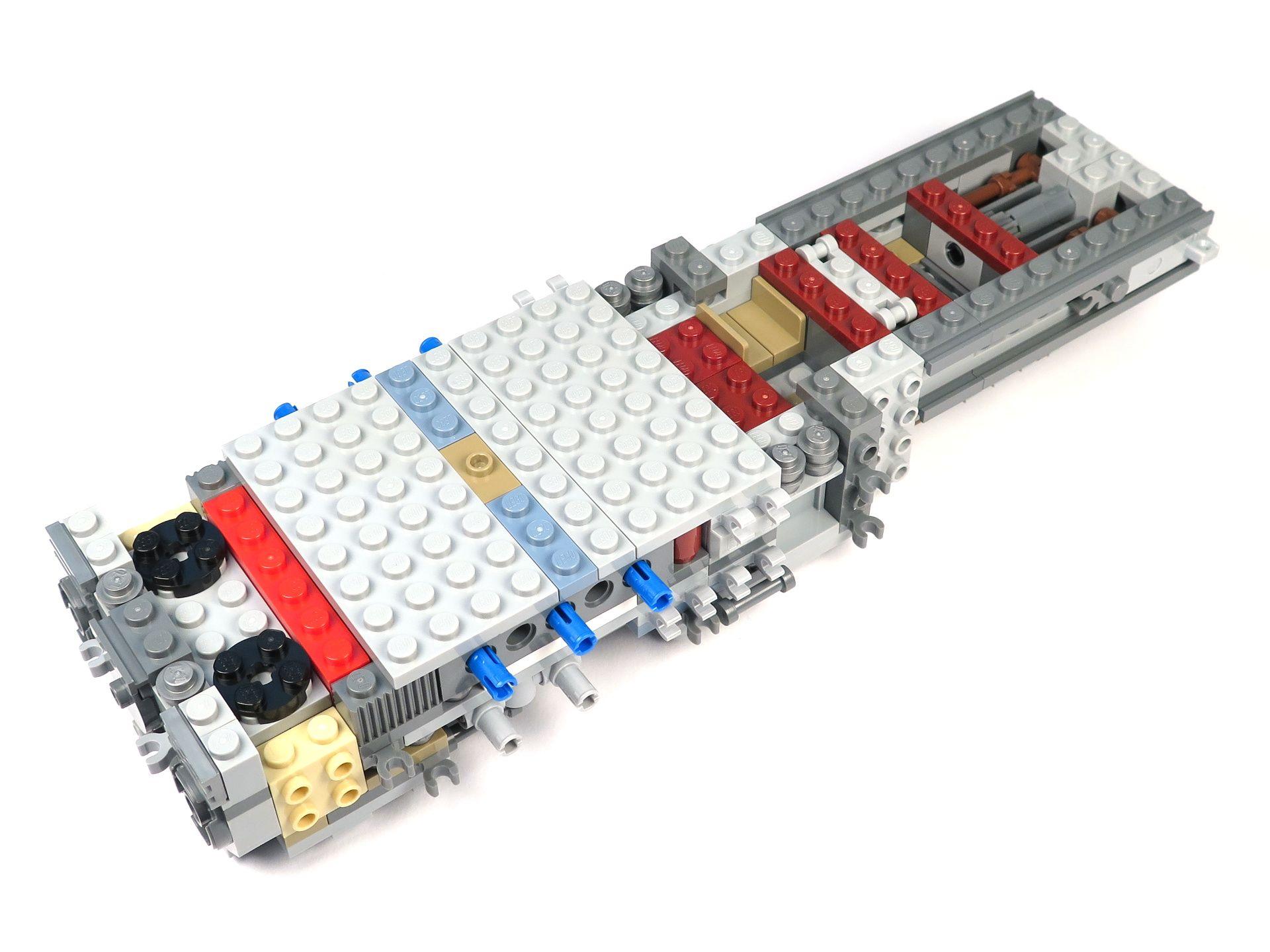LEGO® Star Wars™ UCS Y-Wing Starfighter - Bauabschnitt 1 - Hinten | ©2018 Brickzeit