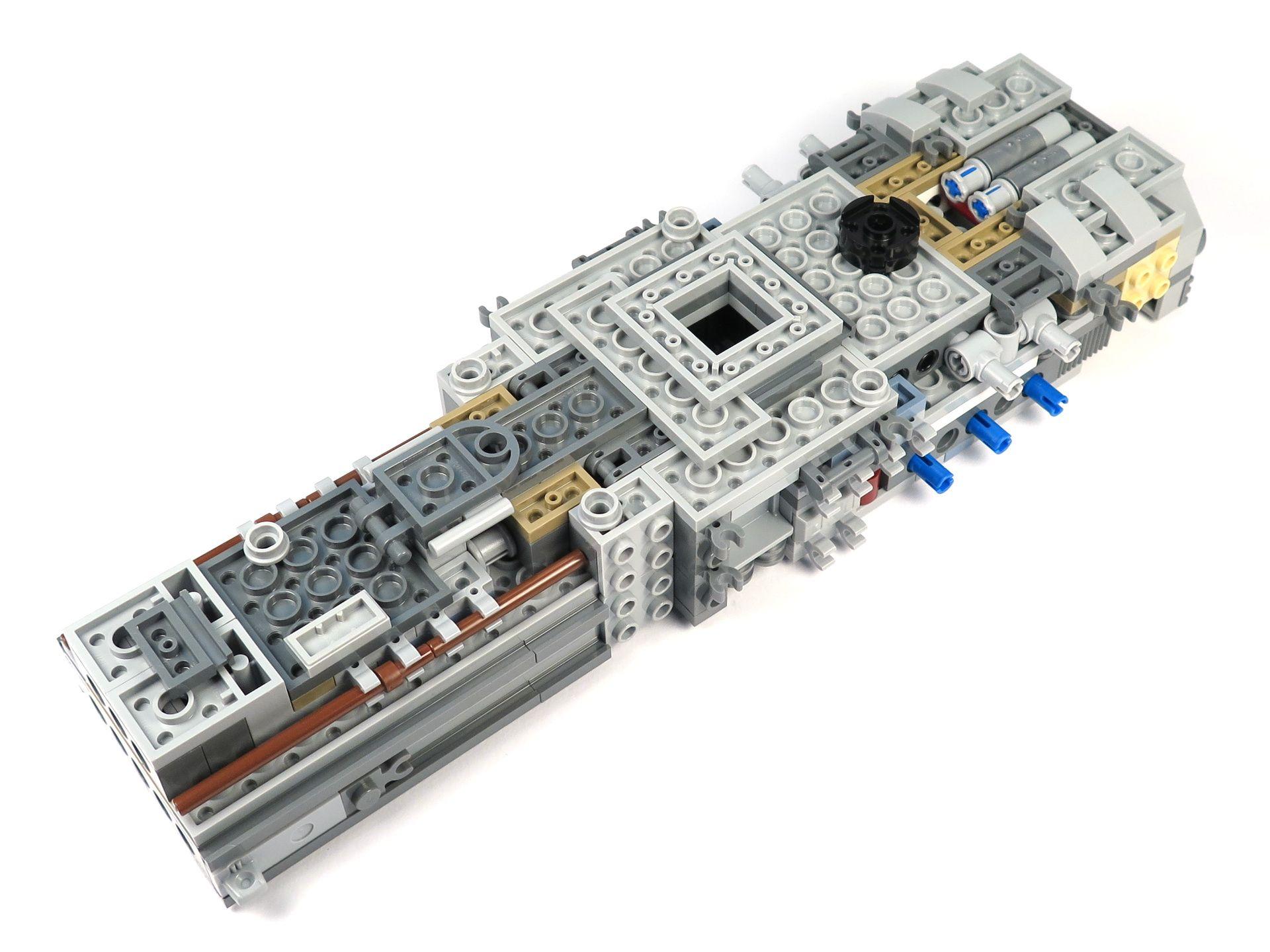 LEGO® Star Wars™ UCS Y-Wing Starfighter - Bauabschnitt 1 - Unten | ©2018 Brickzeit
