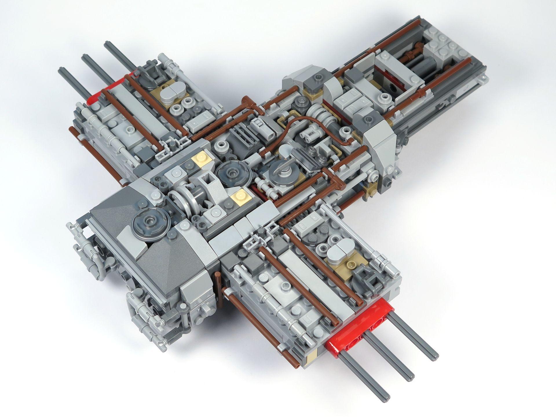 LEGO® Star Wars™ UCS Y-Wing Starfighter - Bauabschnitt 2 - Hinten | ©2018 Brickzeit