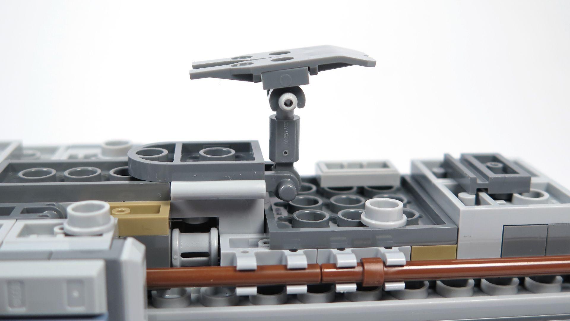 LEGO® Star Wars™ UCS Y-Wing Starfighter - Bauabschnitt 2 - Kufe | ©2018 Brickzeit