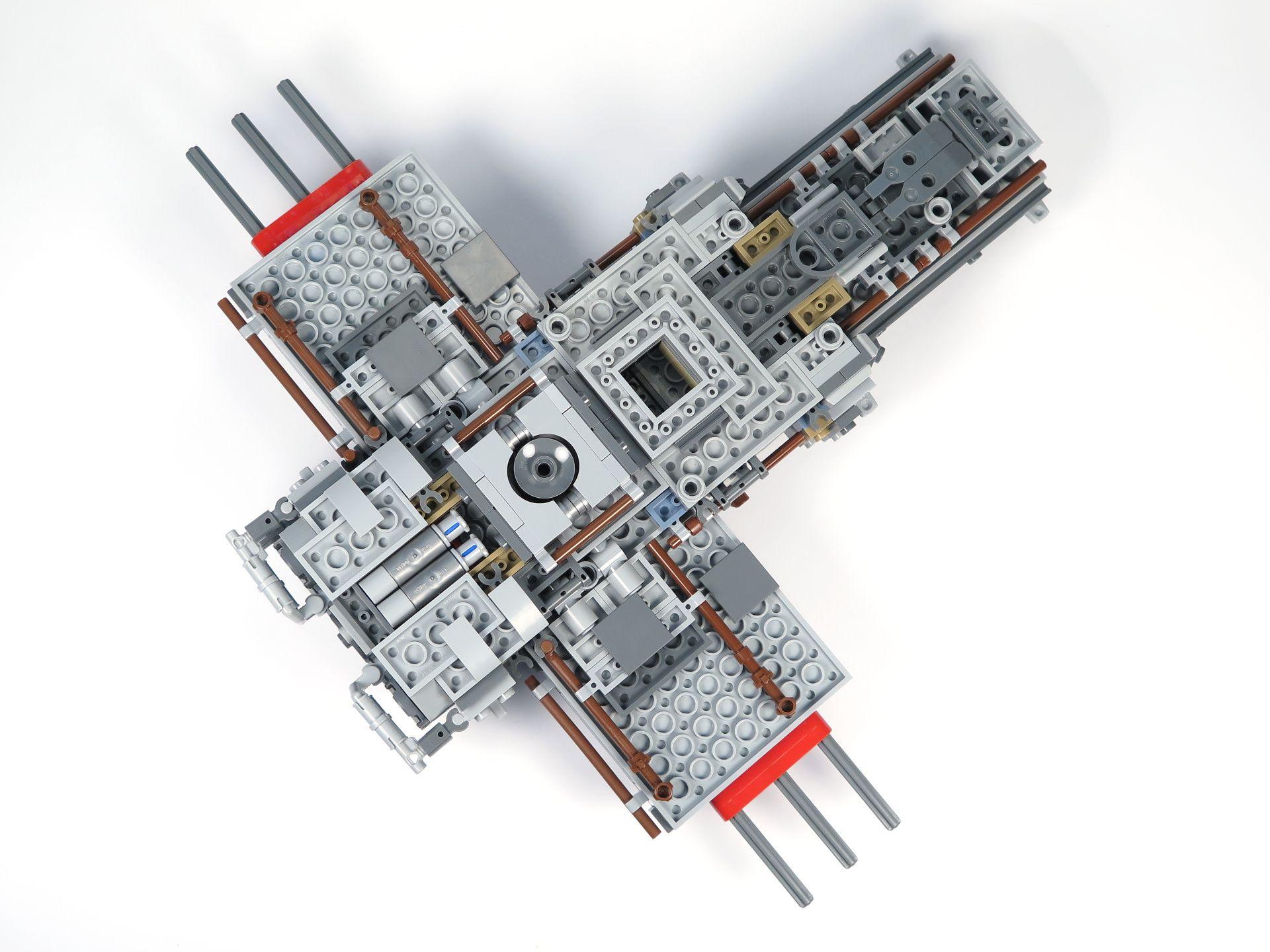 LEGO® Star Wars™ UCS Y-Wing Starfighter - Bauabschnitt 2 - Unten | ©2018 Brickzeit