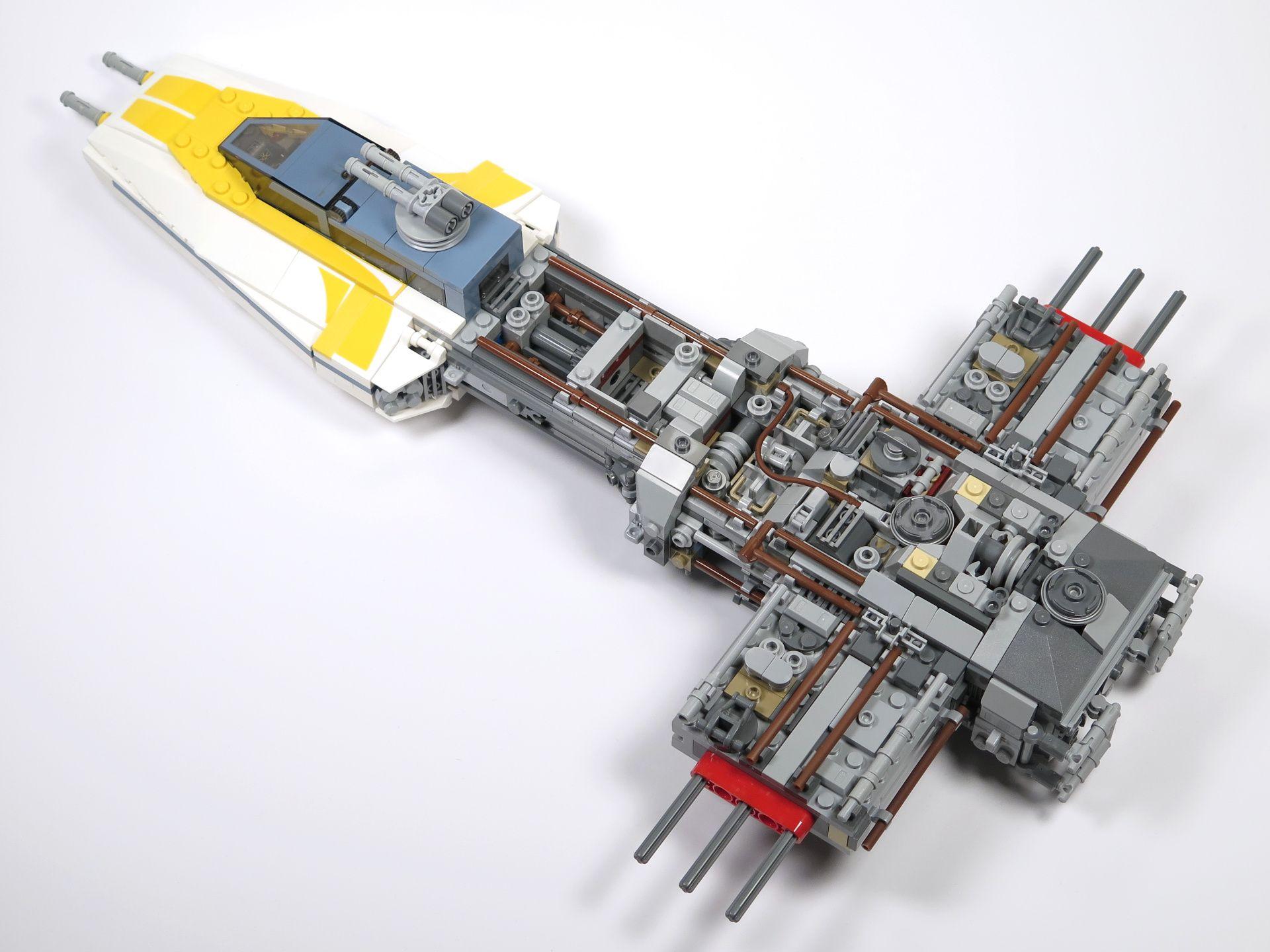 LEGO® Star Wars™ UCS Y-Wing Starfighter - Bauabschnitt 3 - Hinten | ©2018 Brickzeit