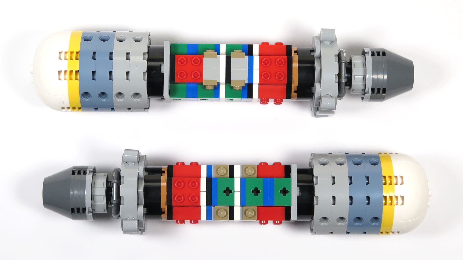 LEGO® Star Wars™ UCS Y-Wing Starfighter - Bauabschnitt 4 - Triebwerk ohne Verkleidung | ©2018 Brickzeit