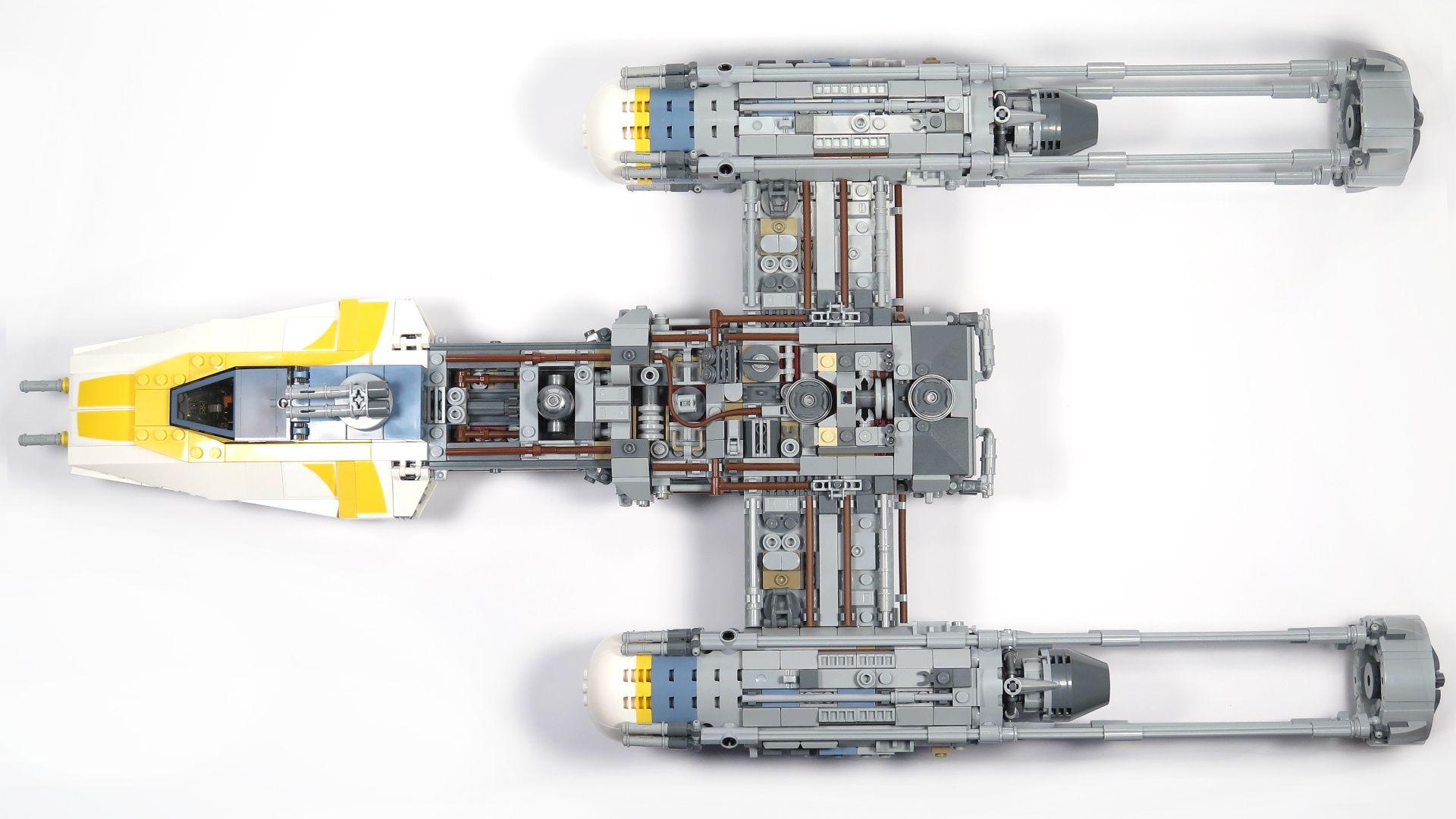 LEGO® Star Wars™ UCS Y-Wing Starfighter - Draufsicht | ©2018 Brickzeit