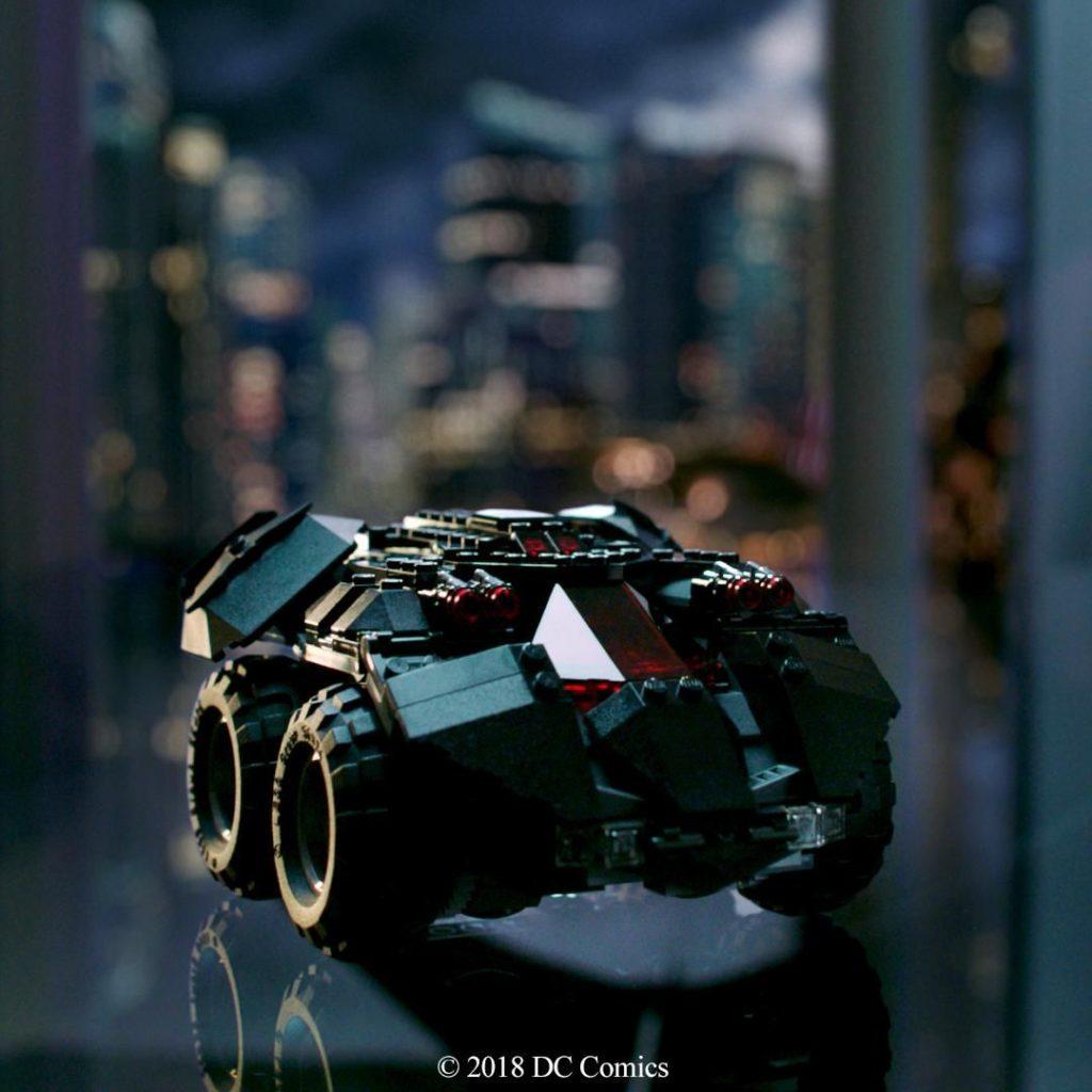LEGO® DC Comics Super Heroes App-Gesteuertes Batmobile (76112) - Bild 1 | ©2018 LEGO Gruppe