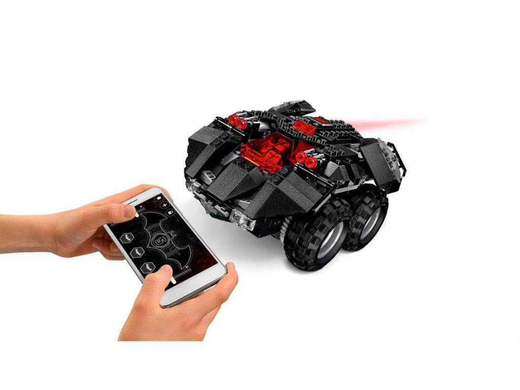 LEGO® DC Comics Super Heroes App-Gesteuertes Batmobile (76112) - Setuerung | ©2018 LEGO Gruppe