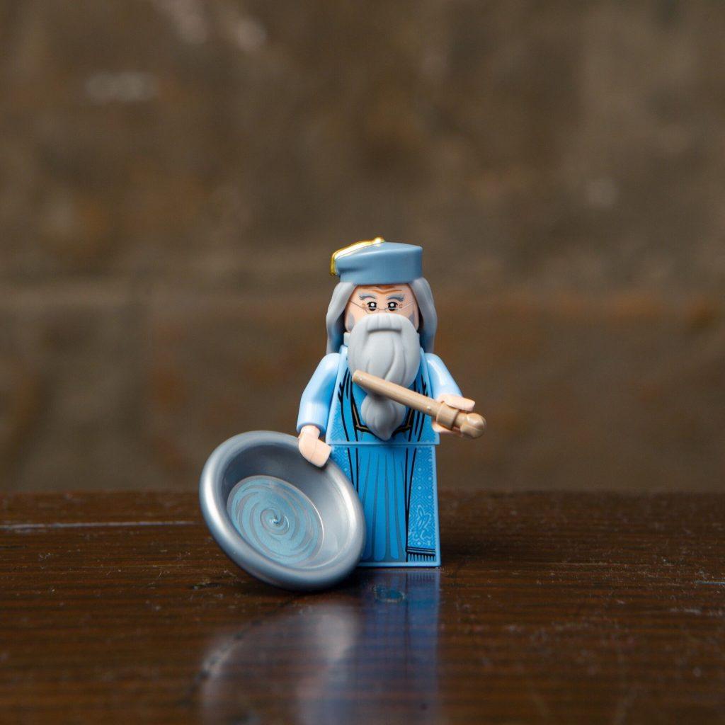 LEGO® Harry Potter Minifiguren Serie (71022) - Albus Dumbledore mit Denkarium | ©2018 LEGO Gruppe