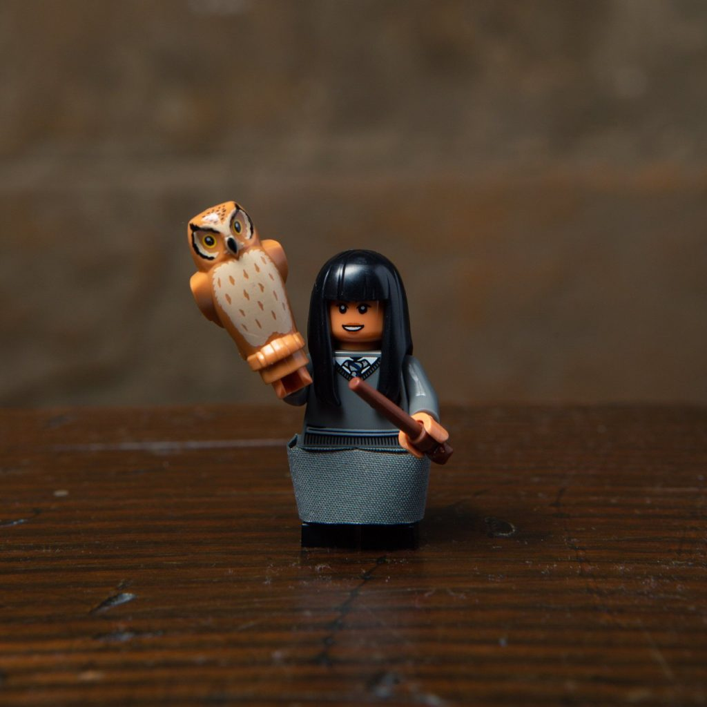 LEGO® Harry Potter Minifiguren Serie (71022) - Cho Chang mit Eule | ©2018 LEGO Gruppe