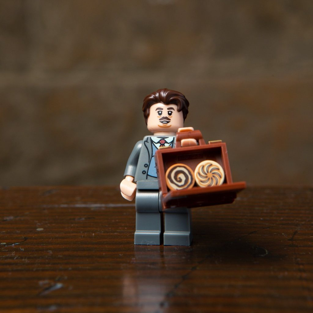 LEGO® Harry Potter Minifiguren Serie (71022) - Jacob Kowalski | ©2018 LEGO Gruppe