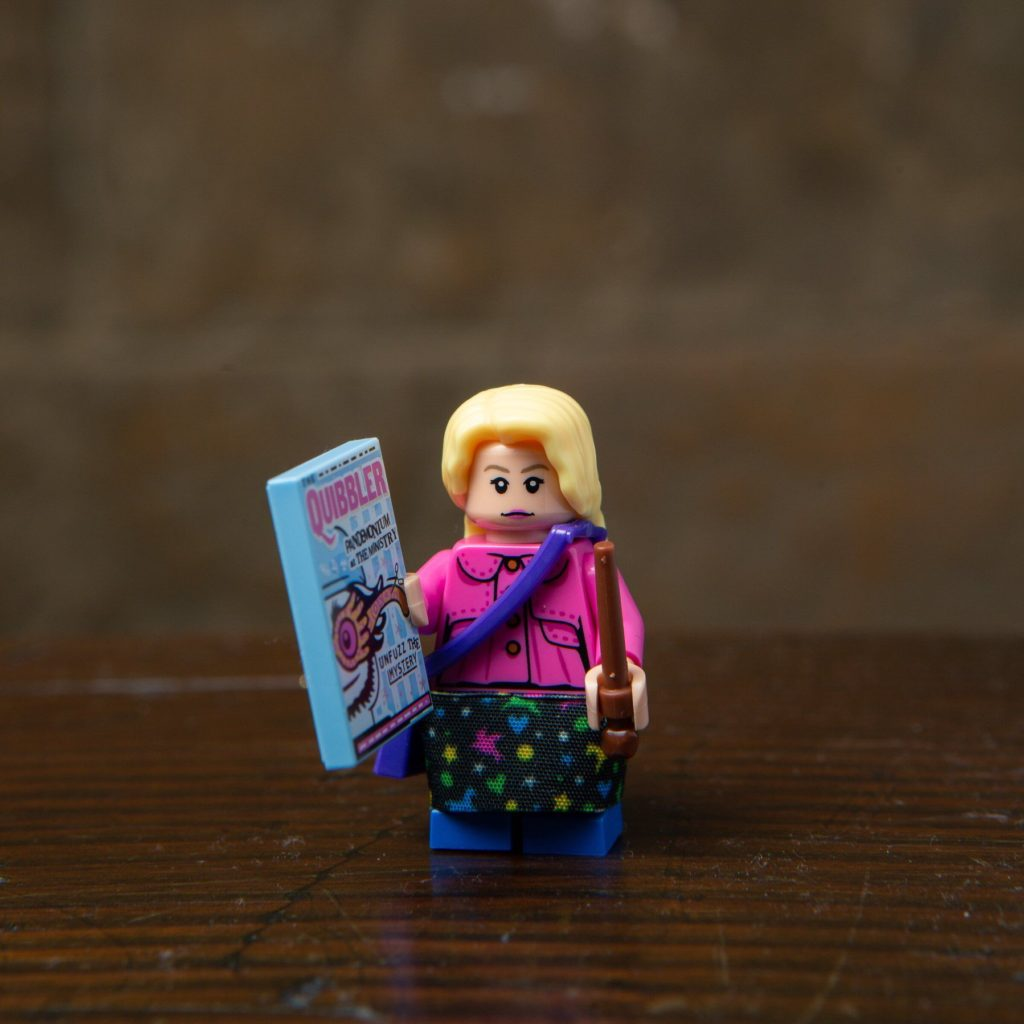 LEGO® Harry Potter Minifiguren Serie (71022) - Luna Lovegood | ©2018 LEGO Gruppe
