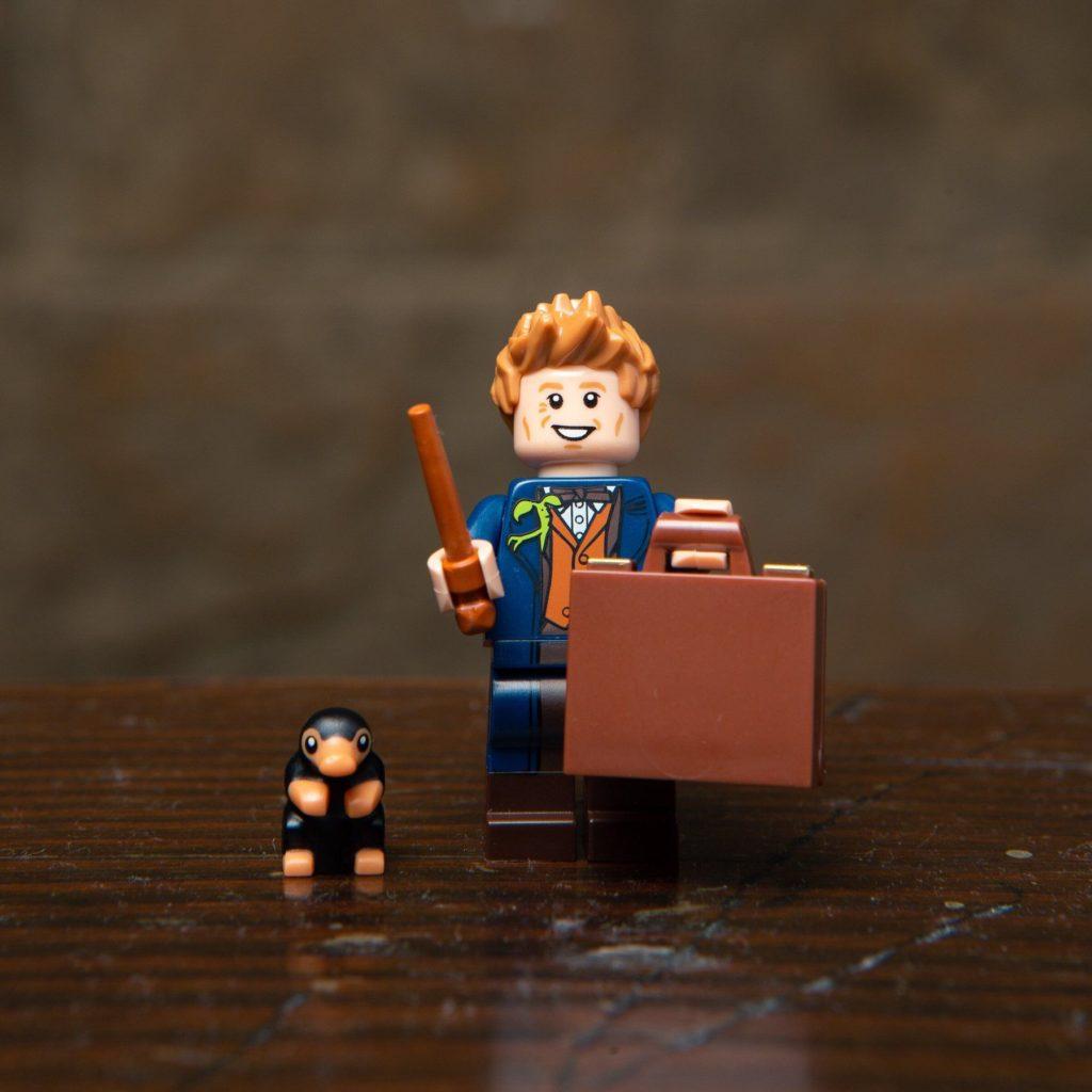 LEGO® Harry Potter Minifiguren Serie (71022) - Newt Scamander und sein Niffler | ©2018 LEGO Gruppe