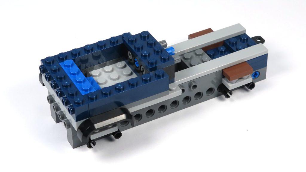 LEGO® Jurassic World Carnotaurus (75929) - Bauabschnitt 1, Teil 1 - vorne links | ©2018 Brickzeit