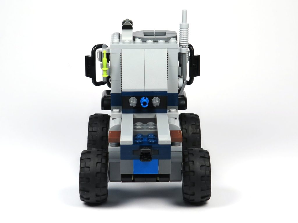 LEGO® Jurassic World Carnotaurus (75929) - Bauabschnitt 1 - Fahrzeug mit Rädern, Rückseite | ©2018 Brickzeit