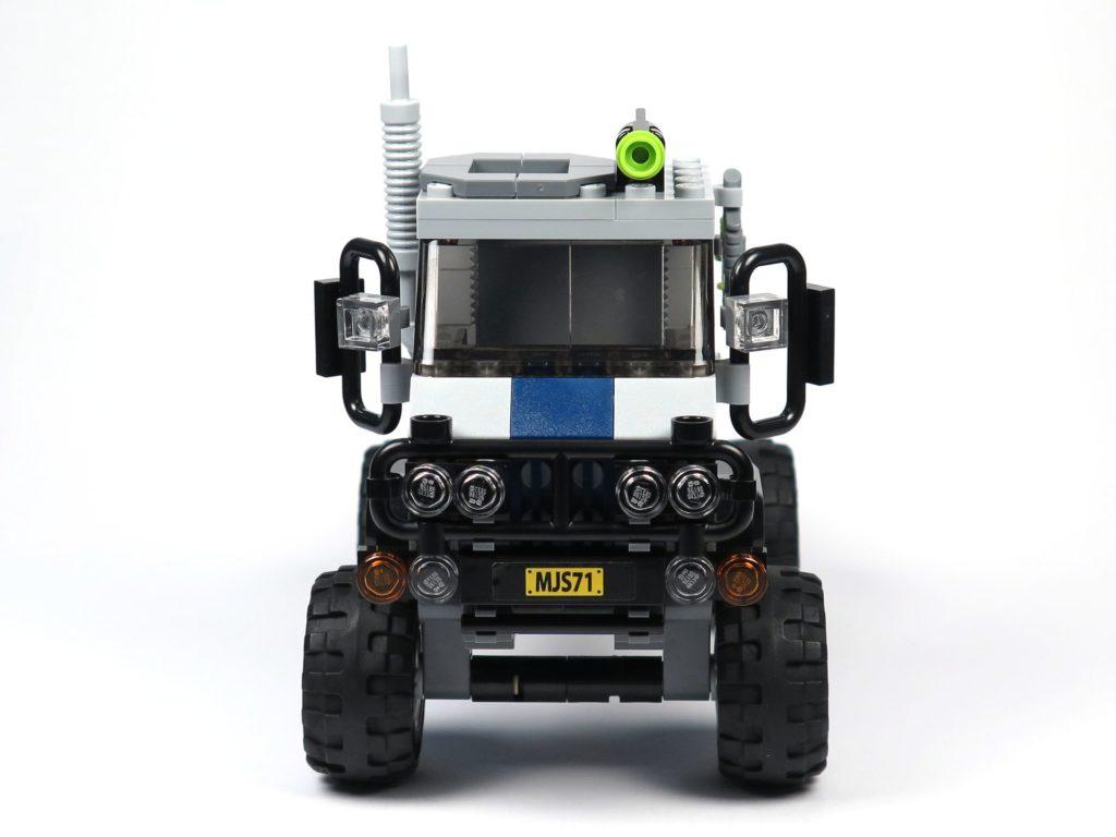LEGO® Jurassic World Carnotaurus (75929) - Bauabschnitt 1 - Fahrzeug mit Rädern, Vorderseite | ©2018 Brickzeit
