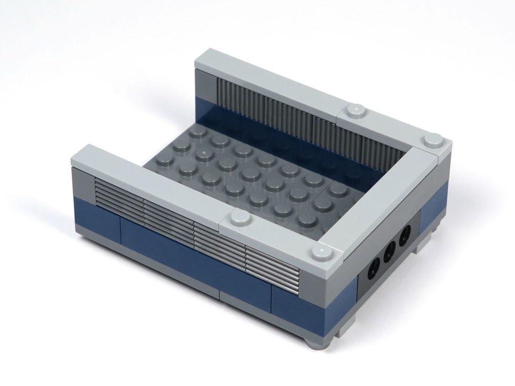 LEGO® Jurassic World Carnotaurus (75929) - Bauabschnitt 2 - Ladefläche vorne rechts | ©2018 Brickzeit
