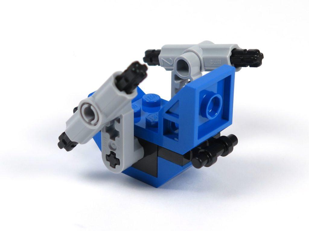 LEGO® Jurassic World Carnotaurus (75929) - Bauabschnitt 3 - Gyrosphere Sitz hinten links | ©2018 Brickzeit
