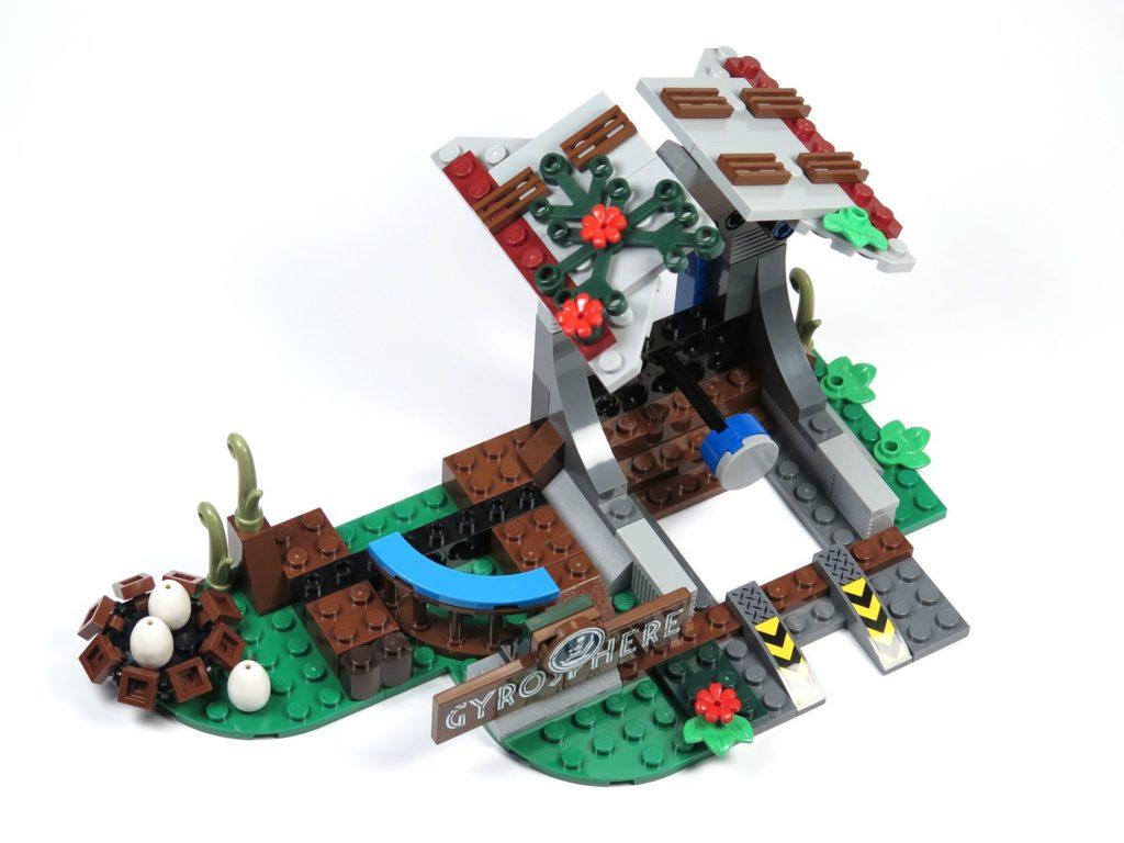 LEGO® Jurassic World Carnotaurus (75929) - Bauabschnitt 4 - fertig | ©2018 Brickzeit