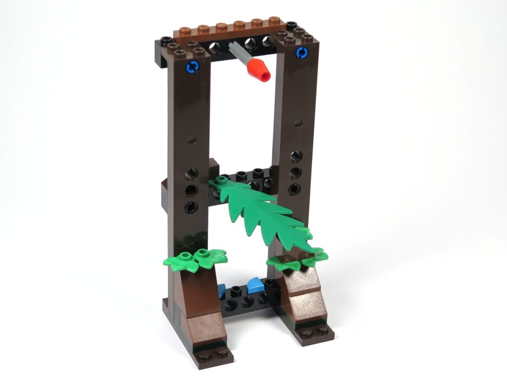 LEGO® Jurassic World Carnotaurus (75929) - Bauabschnitt 5, Teil 2 - Turm Vorderseite | ©2018 Brickzeit