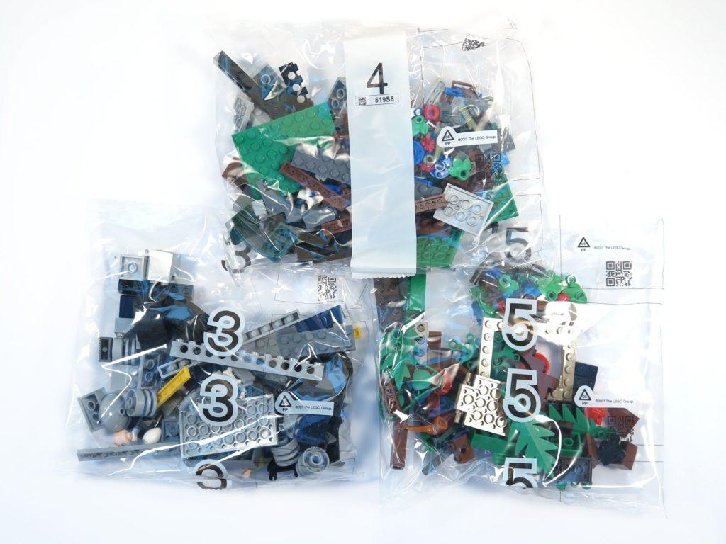 LEGO® Jurassic World Carnotaurus (75929) - Inhalt - Päckchen 3, 4 und 5 | ©2018 Brickzeit