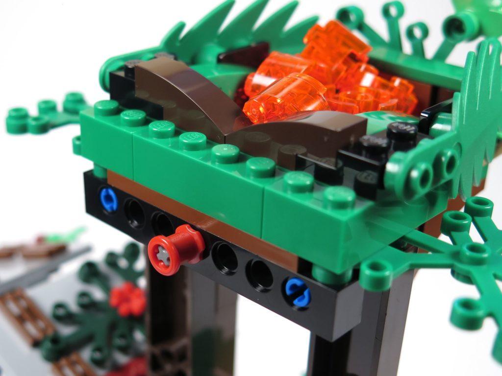 LEGO® Jurassic World Carnotaurus (75929) - Lava Auslöser | ©2018 Brickzeit