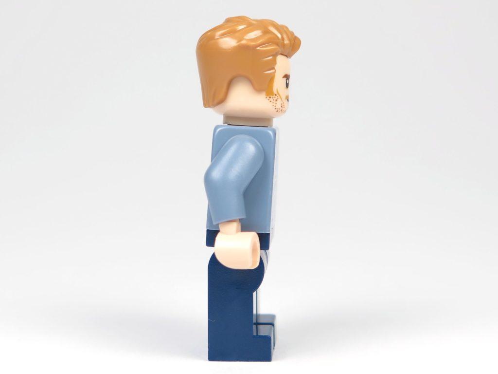 LEGO® Jurassic World Carnotaurus (75929) - Minifigur Owen, rechte Seite | ©2018 Brickzeit