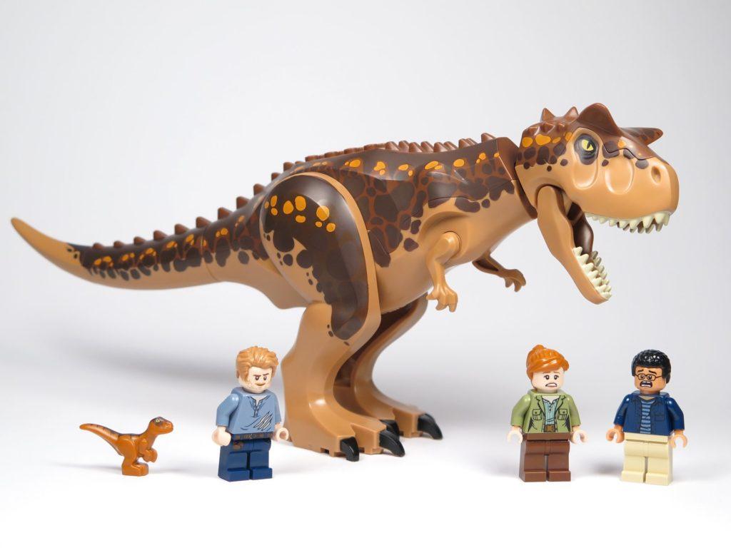 LEGO® Jurassic World Carnotaurus (75929) - Minifiguren und Saurier | ©2018 Brickzeit