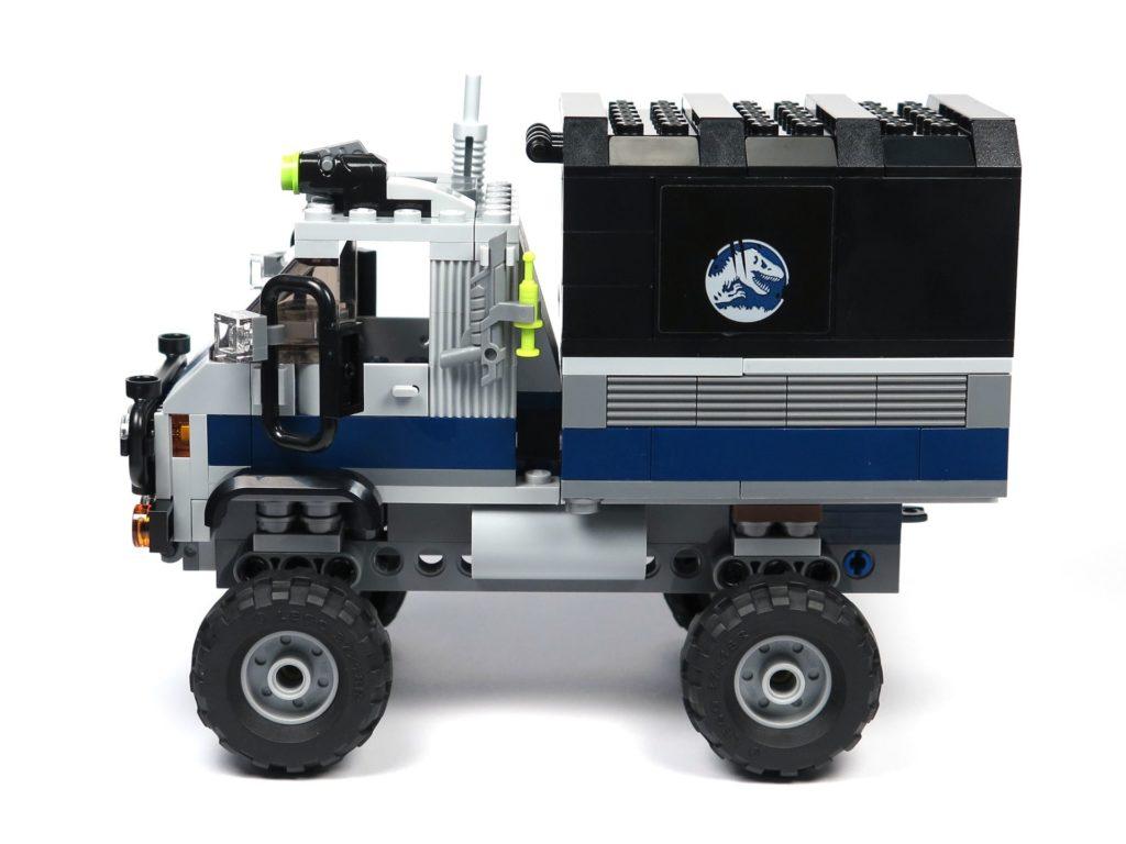 LEGO® Jurassic World Carnotaurus (75929) - Truck, linke Seite | ©2018 Brickzeit