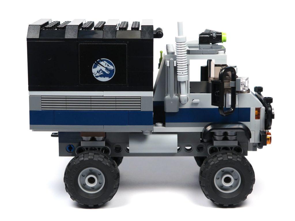 LEGO® Jurassic World Carnotaurus (75929) - Truck, rechte Seite | ©2018 Brickzeit