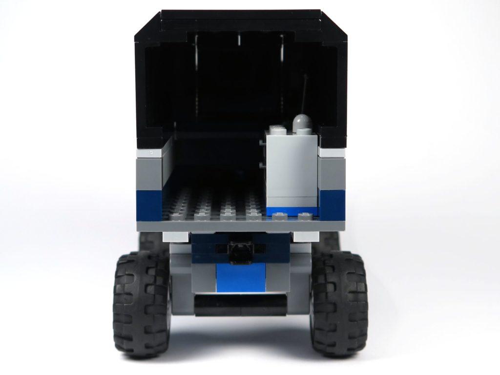 LEGO® Jurassic World Carnotaurus (75929) - Truck, Rückseite | ©2018 Brickzeit