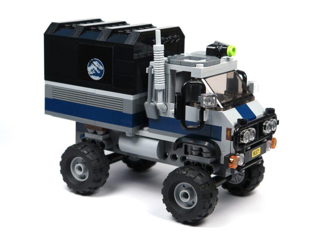 LEGO® Jurassic World Carnotaurus (75929) - Truck, vorne rechts | ©2018 Brickzeit
