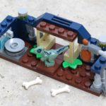 LEGO® Jurassic World™ Spielgehege für Baby-Velociraptor (30382) - Titelbild | ®2018 Brickzeit