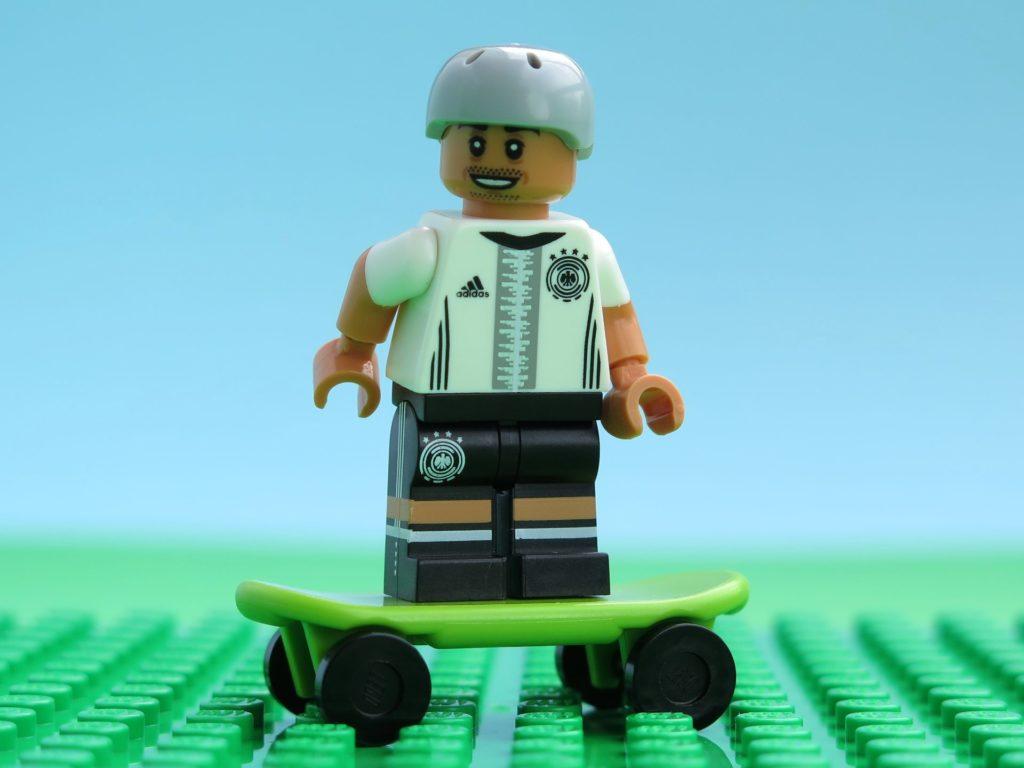 Deutsche LEGO® Nationalmannschafft - Entspannung beim Skaten | ©2018 Brickzeit