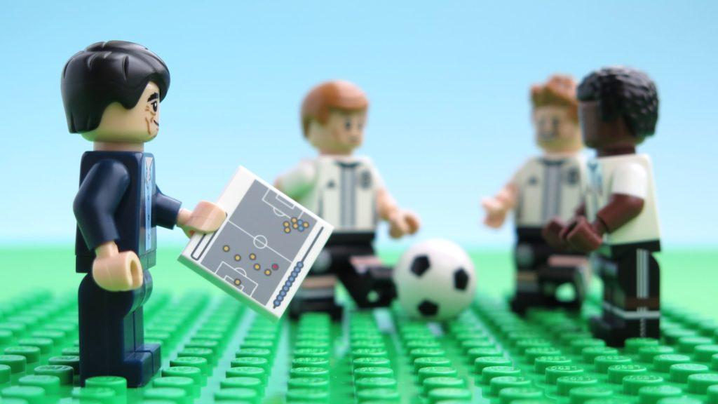 Deutsche LEGO® Nationalmannschafft - Taktik ist alles | ©2018 Brickzeit
