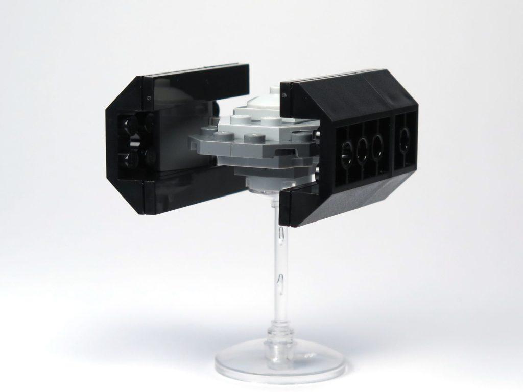 LEGO® Star Wars™ Comic Nr. 10 - Tie-Advanced rechts hinten | ©2018 Brickzeit
