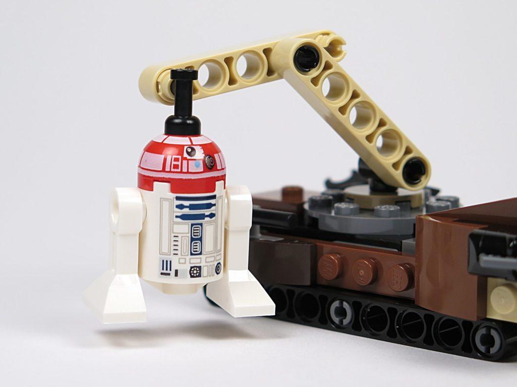 LEGO® Star Wars™ Tatooine™ Battle Pack (75198) - Astromech Droide am Greifarm | ©2018 Brickzeit