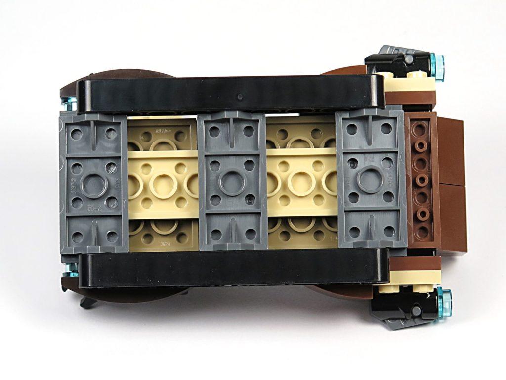 LEGO® Star Wars™ Tatooine™ Battle Pack (75198) - Sandcrawler von unten | ©2018 Brickzeit