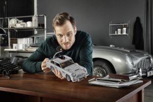 10262_LEGO-Creator-Expert_James-Bond-Aston-Martin-DB5_Designer_2 | ©2018 LEGO Gruppe