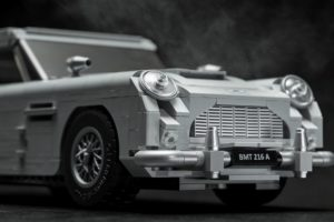 10262_LEGO-Creator-Expert_James-Bond-Aston-Martin-DB5_Frontgadgets | ©2018 LEGO Gruppe