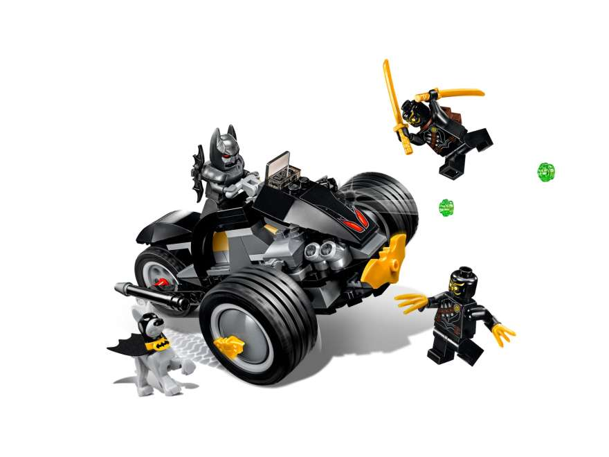 LEGO® DC Comics™ Super Heroes Batman™: The Attack of the Talons (76110) - Set | ©2018 LEGO Gruppe